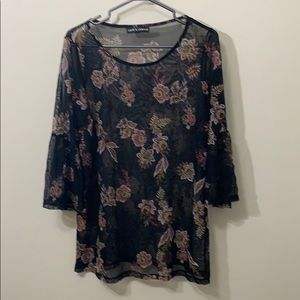 🌻3/20 Love & Legend beautiful blouse